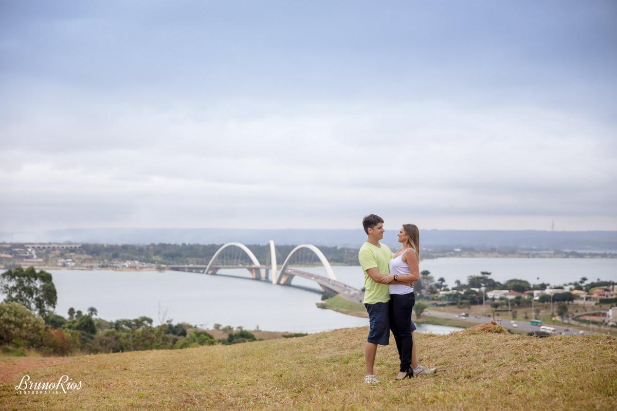ensaio casal ensaio romântico prévia romântica brasília pontos turísticos brasília ponte jk
