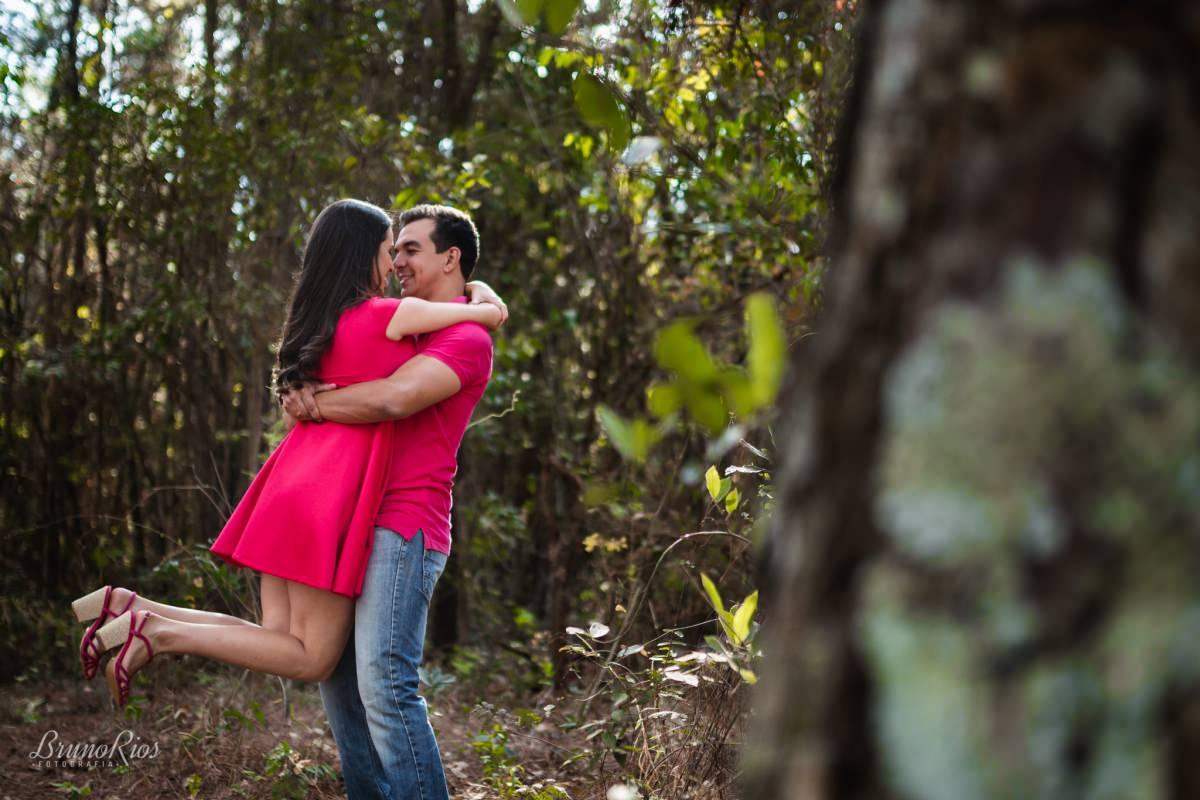 ensaio romântico brasilia - jardim botânico de brasília - fotografia de casamentos