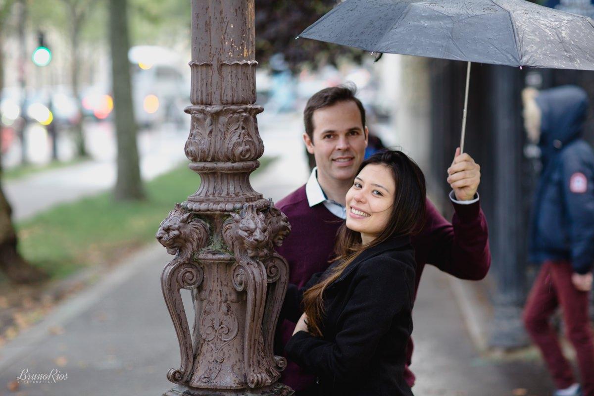 ensaio romântico paris e-session paris ensaio casal brasileiros em paris fotografia parisiense