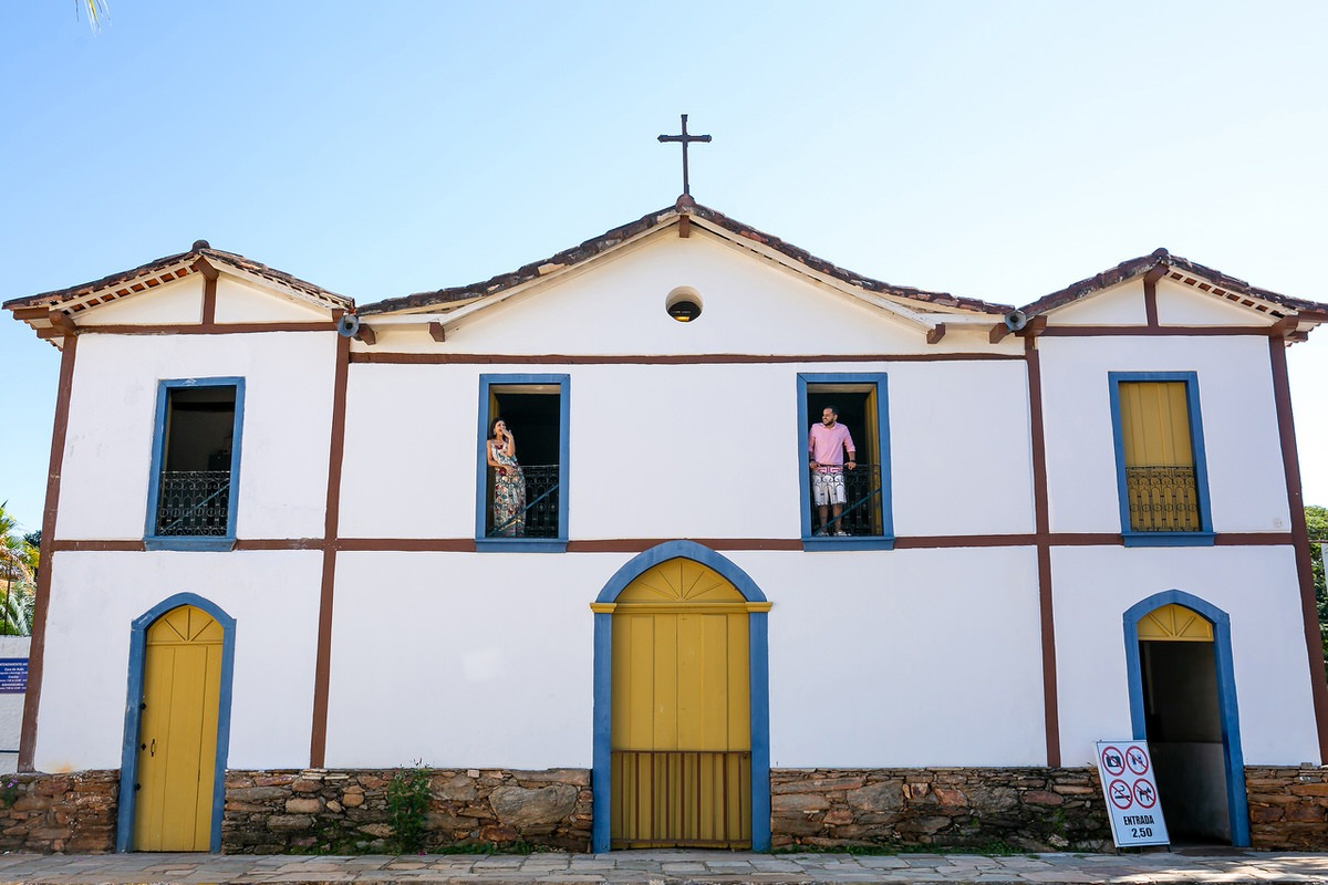 ensaio casal noivos pirenópolis goiás igreja