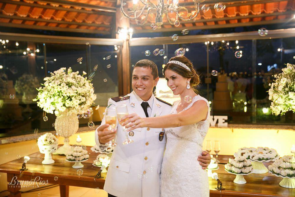 brinde casamento gabriela e andre no farol do cerrado - fotografia de casamento em brasilia - bruno rios fotografia - brunoriosfotografia