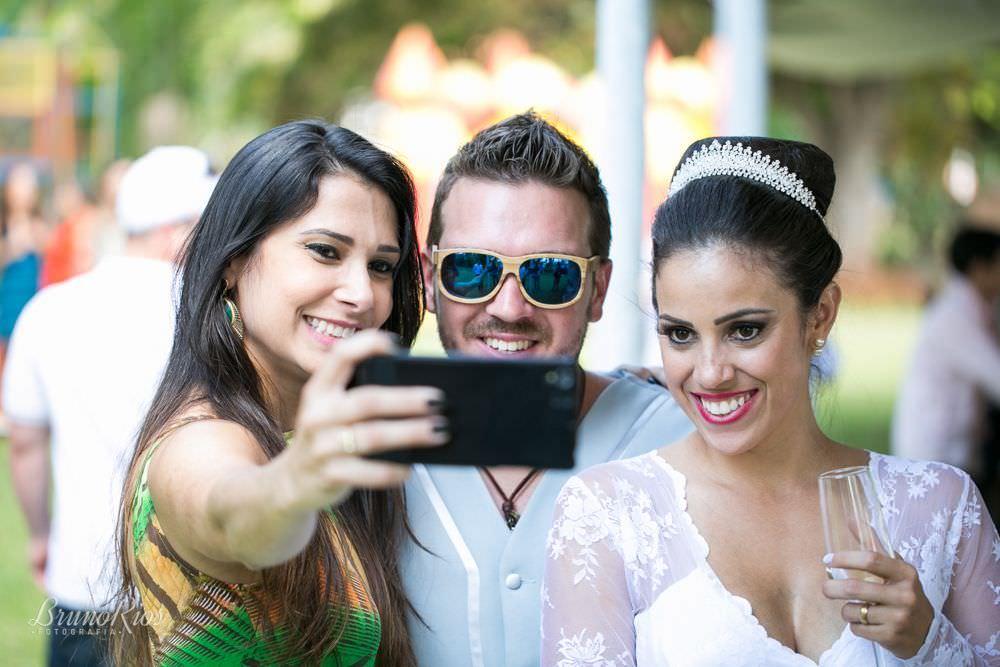 selfie - casamento da catarina e vitor - igreja nossa senhora do lago brasília - fotografia de casamentos em brasília - fotógrafo de casamentos - bruno rios fotografia - brunoriosfotografia